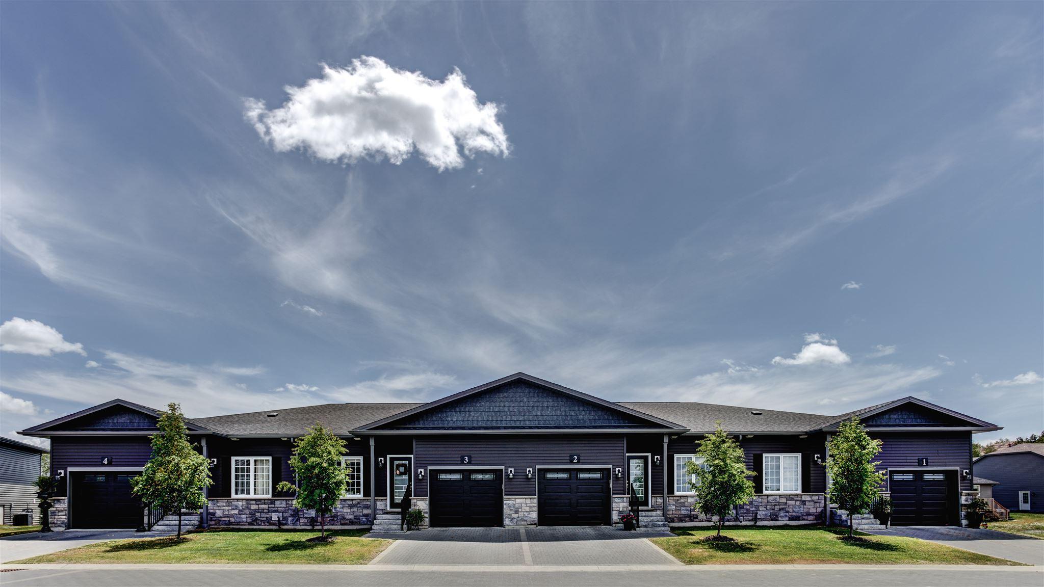 Bungalow: Billiards Green Luxury Townhome Rentals